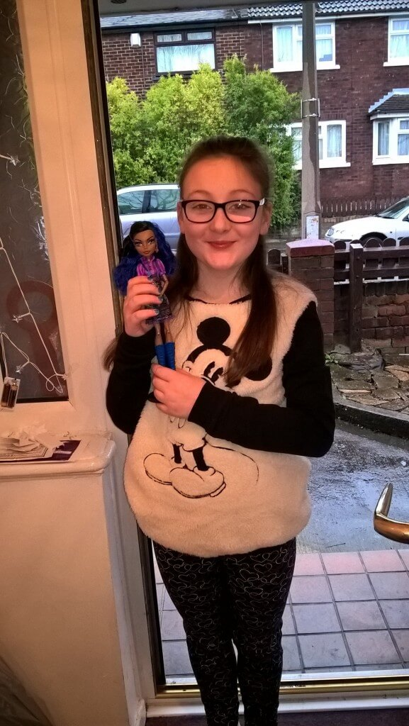 xmas outfit girl in mickey mouse primark jumper