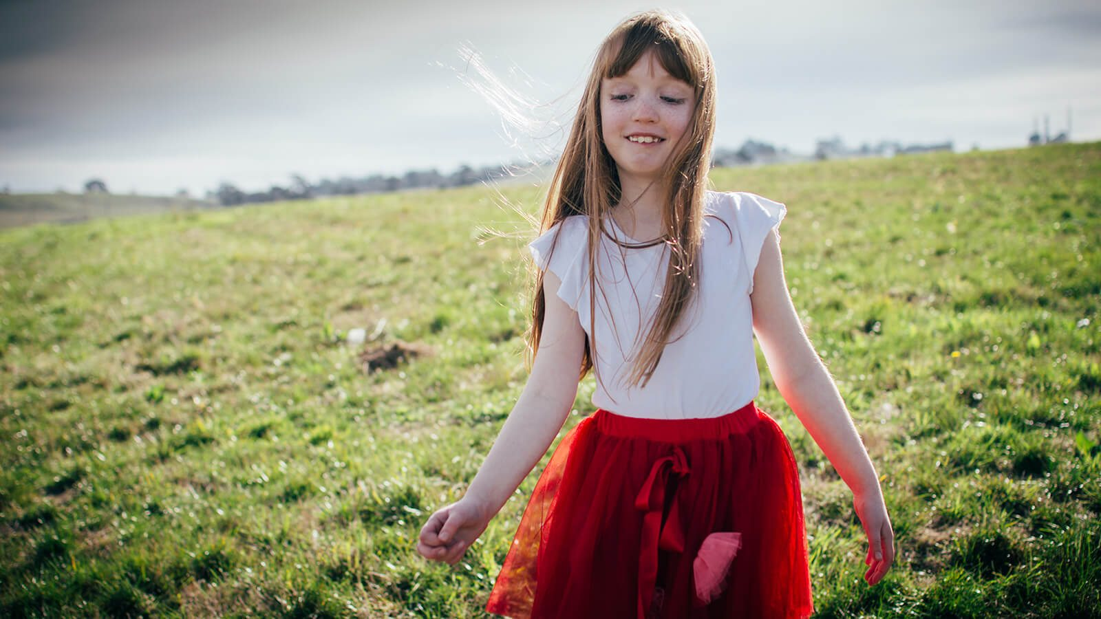 april's style picture of girl in a field