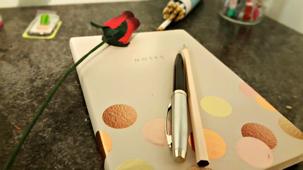 national stationery week notepad with pen and pencil and rose decoration