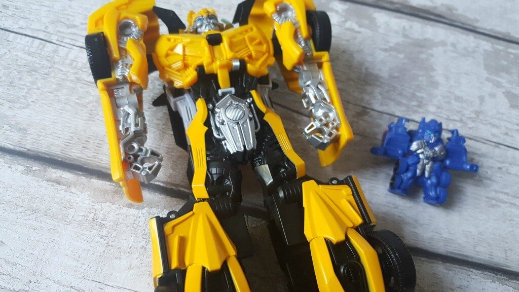 transformers bumblebee turbo changer review bumblebee figure and tiny turbo changer optimus prime