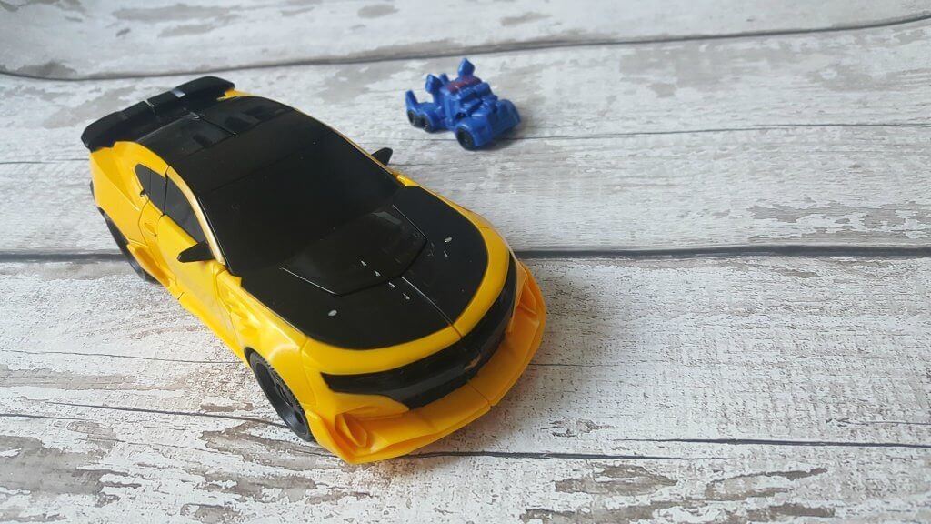 tranformers bumblebee turbo changer review bumblebee in car form
