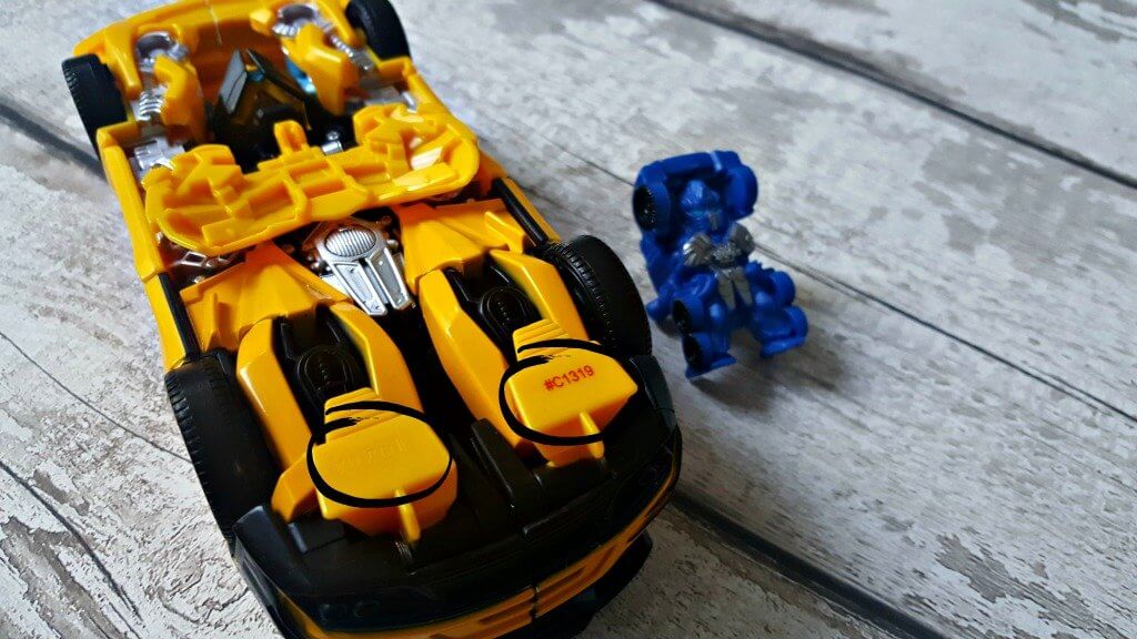 transformers bumblebee turbo changer underneath of bumblebee in car form