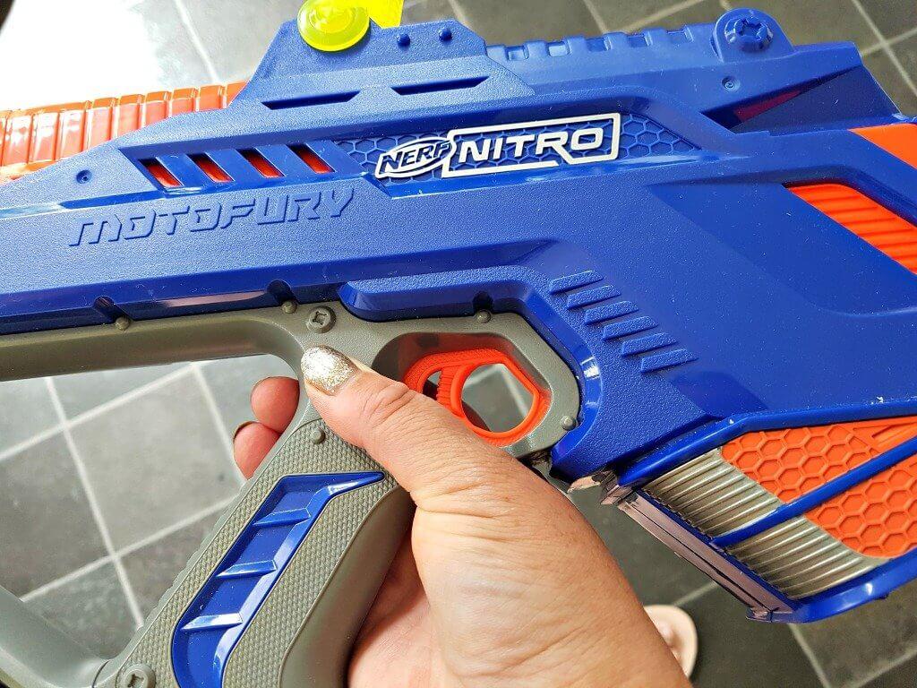 nerf-nitro-motofury-rapid-rally-review-close-up-of-car-blaster