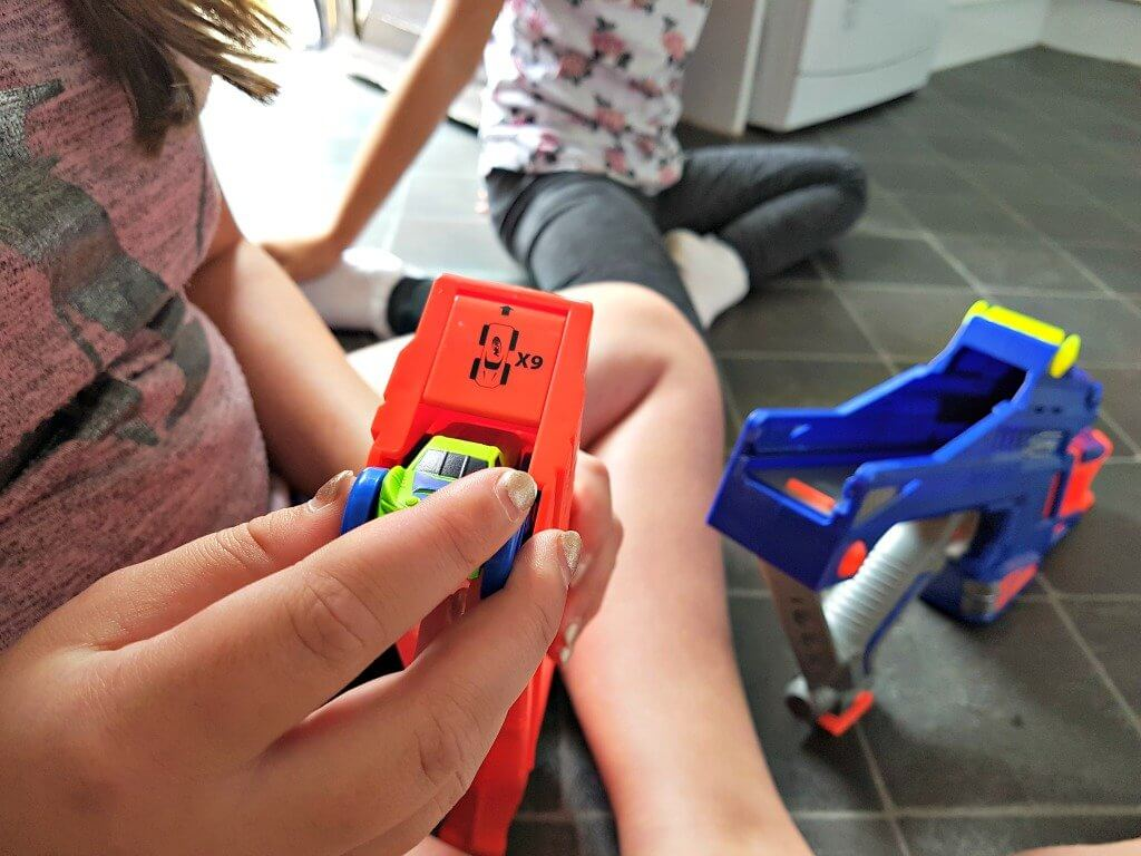 nerf-nitro-motofury-rapid-rally-review-picture-of-cars-being-loaded-into-blaster