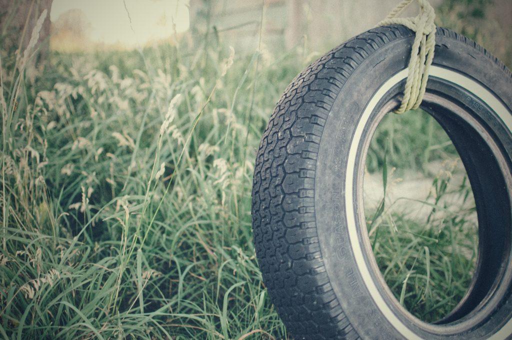swinging tyre