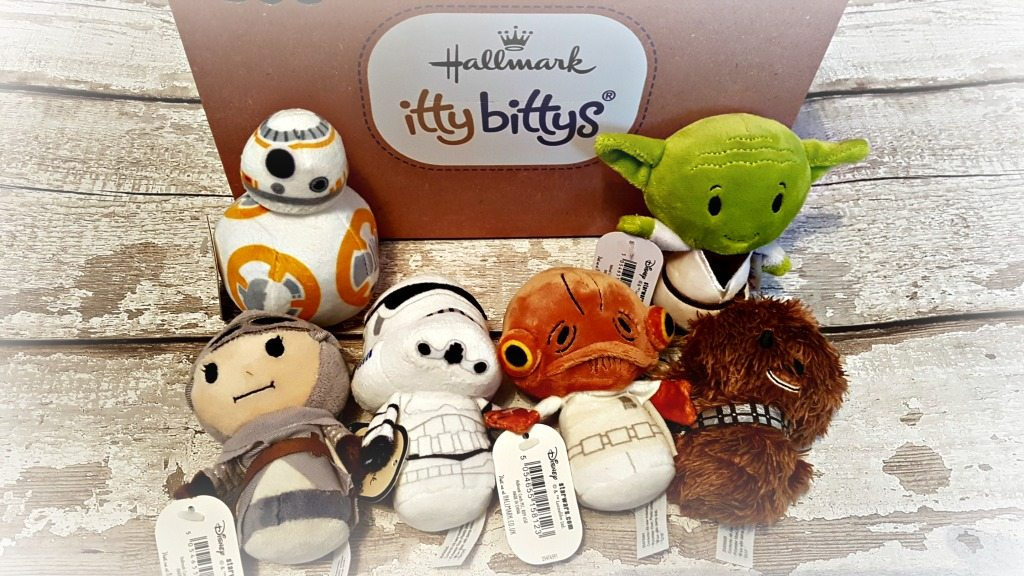 star wars itty bittys characters bb-8 yoda rey stormtrooper admiral ackbar and chewbacca infront of itty bittys branded box